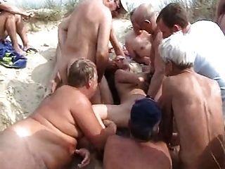 Strand bukkake