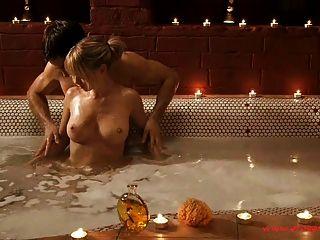 erotische Bad und sinnlichen Kuss