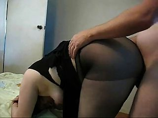 mollig MILF in Nylons fickt Doggystyle