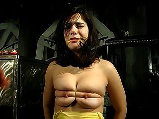 bdsm Sitzung eine große Titten Hottie und ihr Meister Einbeziehung