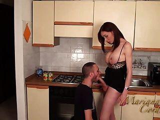 mariana cordoba heiß in der Küche