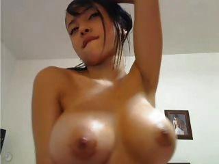 Titty exotische Dolly auf Sie wartet