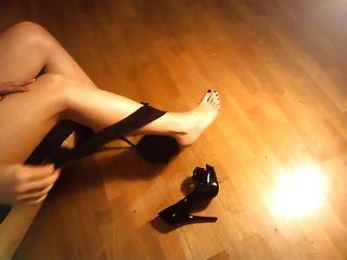 ladymm italienische Milf, High Heels und Strumpfhosen