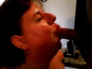 sie saugt Mann und sein Freund