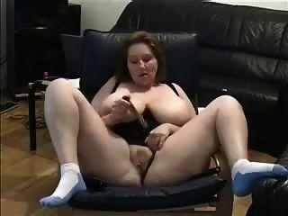 reifen Finger einen Porno zu beobachten. Amateur ältere