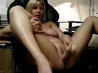 große Masturbation meiner Schlampe Frau. Amateur
