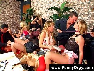 Strümpfe Fetisch führt zu einer Orgie