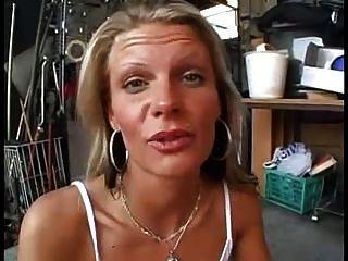 blonde Schlampe bekommt 03 gefickt