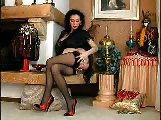 schwere Pussy perced Sklavenhalter operl mit schweren Piercings