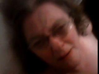 Cumming Oma Gesicht
