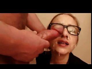 Throat und Sperma auf der Brille mehr als einmal.