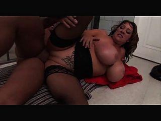 big boobs Gefängnis ficken