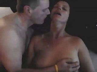 küssen meine Frau als Stier ihr fickt