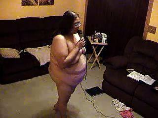 bbwalmy mich aufwecken, bevor Sie nackt bbw Karaoke gogo