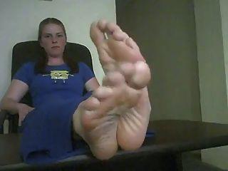 big sexy Füße posiert