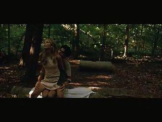 Sarah Michelle Gellar in den Wald gefickt