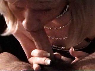 Jahrgang carli in Leder, die Gesichts von einem weißen Mann