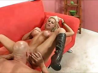 zahlt sie mit Pussy # 000nt ihre Schulden