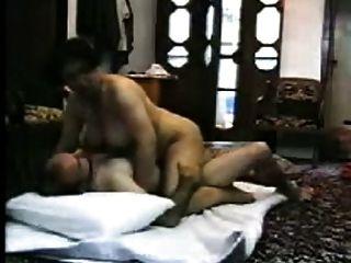 arabisches vollbusige Frau heißen hausgemachten Sex mit Fremden bekommen