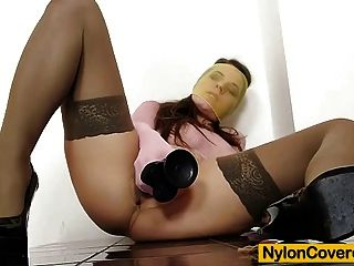 mona lee Nylons voll bedeckt Dildo Masturbation Video
