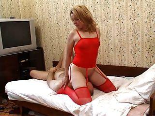Muffdiving Mädchen im roten