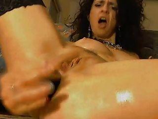 heftig anal Spielzeug ficken MILF Pfund aus ihren Arsch
