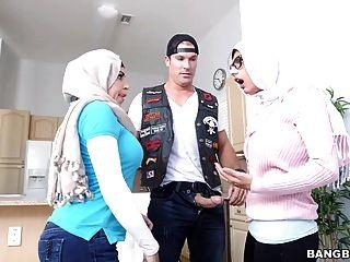 Juli vega und mia Kalif - stepmom Videos