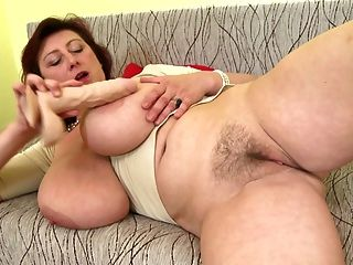 Big BBW Mutter mit riesigen riesigen Titten