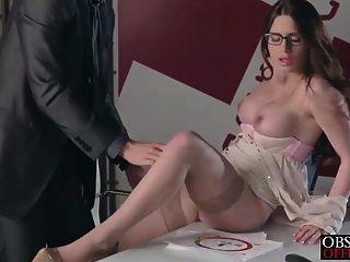 veronica vergeblich wird eine Last im Büro von ihrem strengen Chef