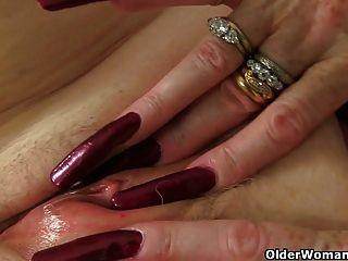 british Omas immer noch lieben Masturbation