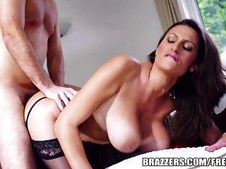 brazzers - hot MILF jane zeigt ihre großen Titten