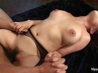 winzigen asiatischen Hottie will ihre haarige Pussy mit cum gefüllt