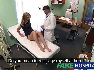 fakehospital unschuldige blonde bekommt die Ärzte Massage