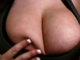 große Titten, Brustwarzen und Körper - die beste