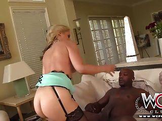 wcp Club vollbusige Hausfrau ist verrückt für anal