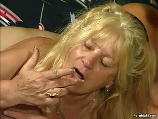 zwei Oma in Vierer Aktion get fucked
