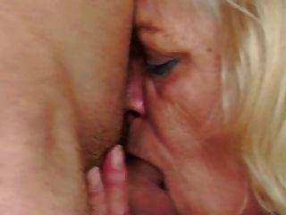 alte Oma straft und fickt ihre jungen Schüler Junge