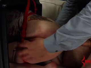 goth Mädchen geworfen in Müll für brutal anal Strafe