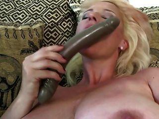 nuttig Mutter mit großen schlaffe Titten und sehr hungrig Pussy