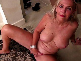 alt sexy Oma braucht einen guten Fick