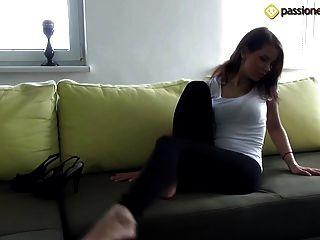 angela jugendlich Füße