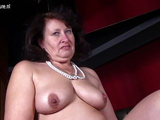 big sexy Mutter mit hungrigen Vagina