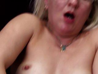 echte reife Mutter mit hungrigen Arsch und Fotze