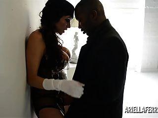 Ariella Ferrera protzt und dann fickt großen schwarzen Schwanz