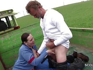 Deutsch Milf Mutter sedcue outdoor ficken von Fremden