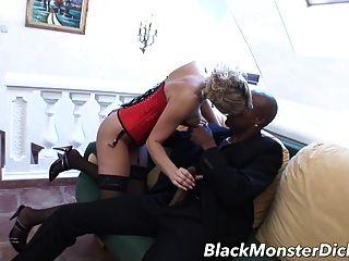 Amateur Milf anal gefickt von schwarzen Schwanz