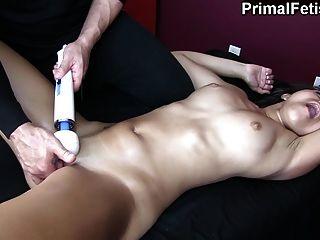 schwarz Babe gemacht von weißen Masseur immer wieder cum