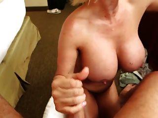 Titty mit großen Titten Ficken reifen