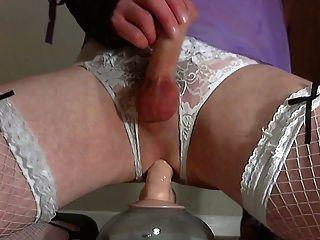 Dreifach-Orgasmus einen Dildo in Dessous ficken :)