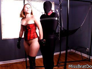 Borte Spiele mit gebundenen Slave von missbratdom